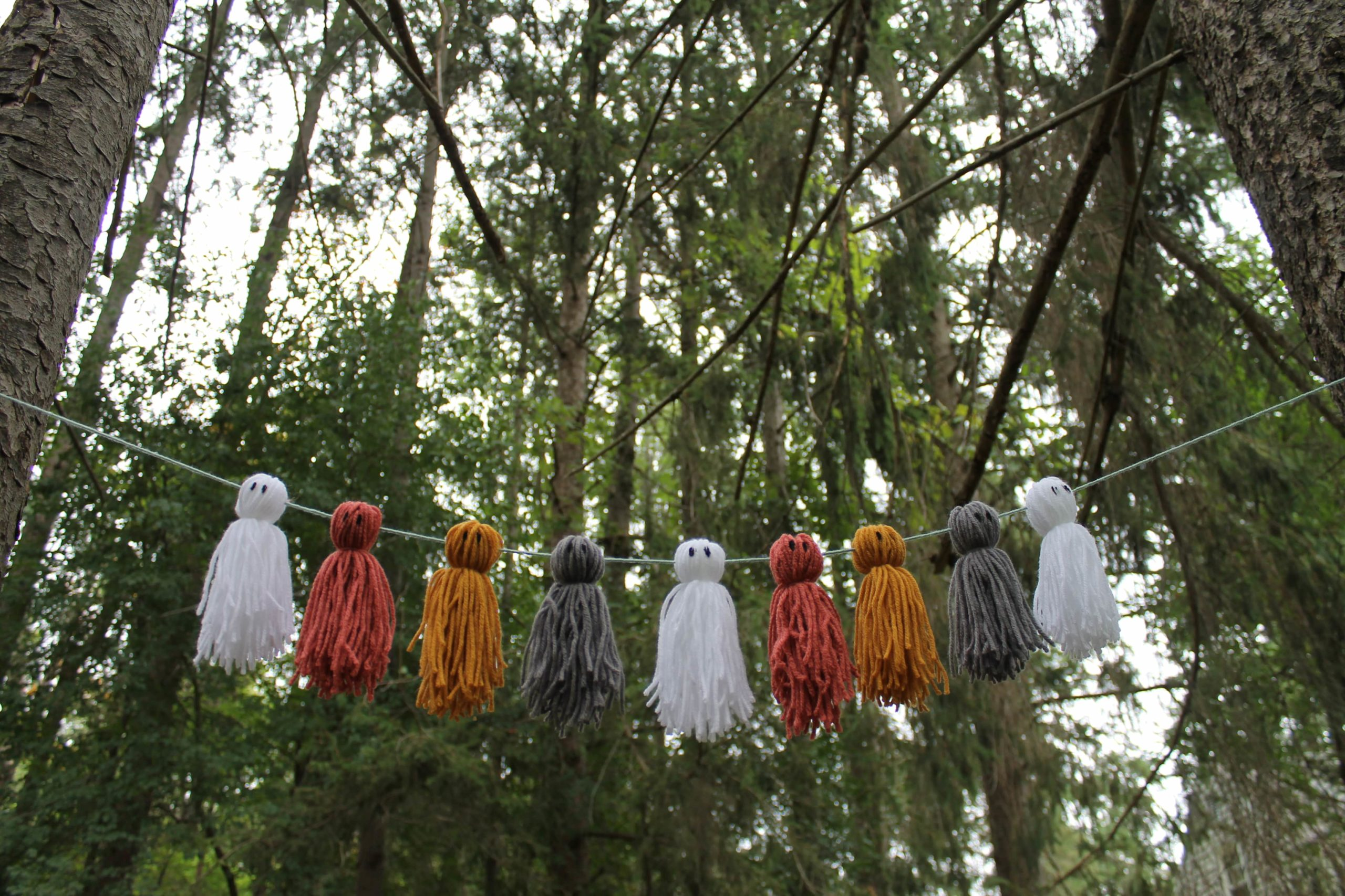 show casing the garland you will be making at the art class
